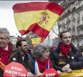 Manifestantes contra el aborto en París