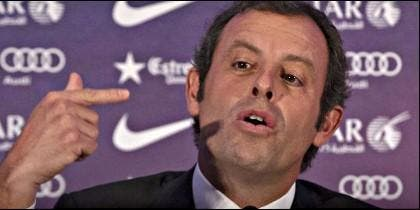 Sandro Rosell frente a la prensa.