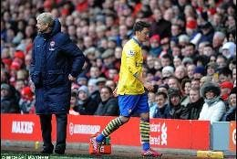 Wenger y Mesut Ozil.