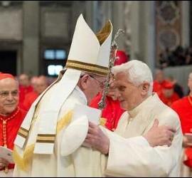 El Papa Francisco y Benedicto XVI