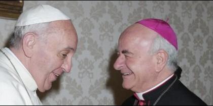 Monseñor Paglia y el Papa Francisco