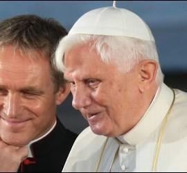 Georg Gänswein y el Papa emérito
