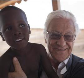 El Padre Ángel García, presidente y fundador de Mensajeros de la Paz