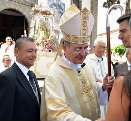 El obispo de Canarias, Francisco Cases Andreu