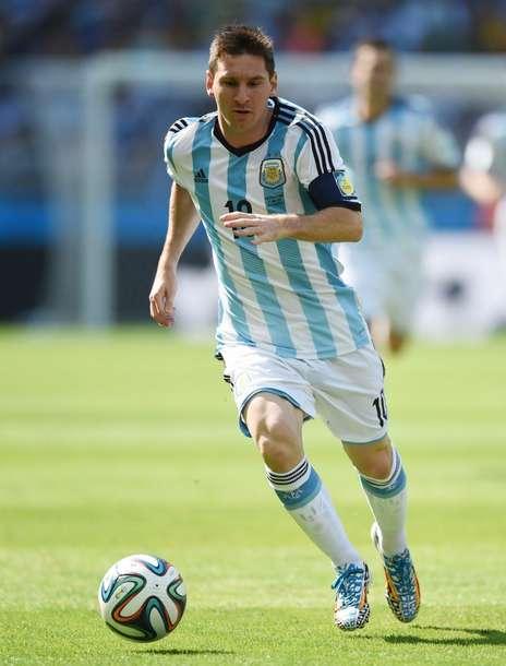 Un gol milagroso de Messi en el descuento da a una miserable