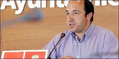 Vicente Urquía.