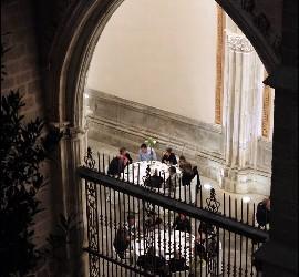 Cena en el claustro de la catedral
