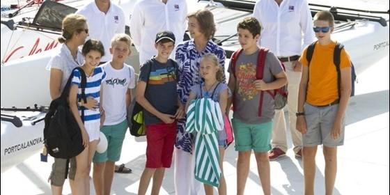 Do a sof a con sus nietos mayores de vacaciones en for Escuela de cocina mallorca