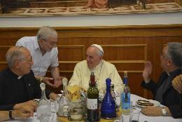 Francisco, en la comida con los jesuitas