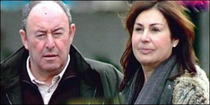 Luis Miguel Rodríguez con Carmen Martínez Bordiú.