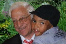 El Padre Ángel, con Josué