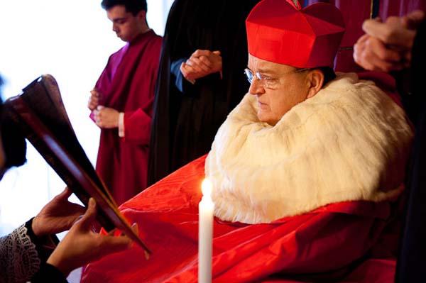 Resultado de imagen de el cardenal burke y trump
