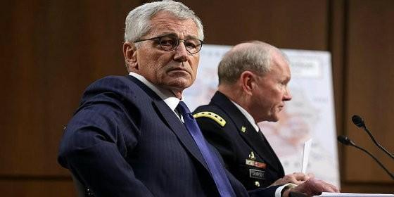 El secretario de Defensa, chuck Hagel, y el jefe del Estado Mayor Conjunto, Martin Dempsey, en el Senado