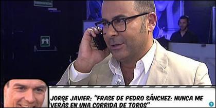 J.J. Vázquez hablando con Pedro Sánchez.