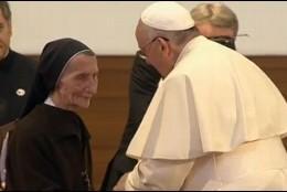 Francisco, con la religiosa María Caleta