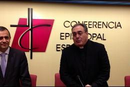 El portavoz episcopal, y el gerente de la CEE