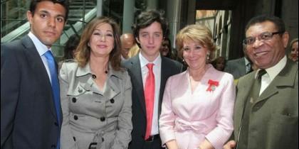Nicolás con Ana Rosa y Esperanza.