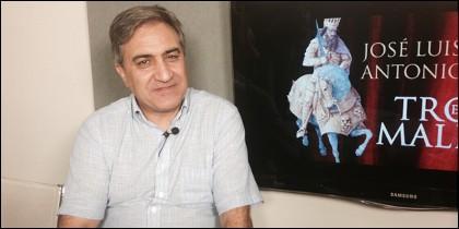 José Luis Corral, 'El trono maldito'.