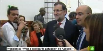 Rajoy, huyendo de los periodistas.