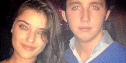 Nicolás junto a su amiga Isabel Mateos.