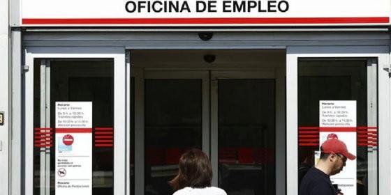El paro baja en personas en abril en andaluc a for Oficina del paro murcia