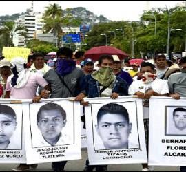 Protesta en México por los estudiantes desaparecidos