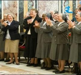 El Papa, con las salesianas