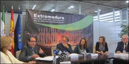 Mesa de Turusmo Cultural de Ezxtremadura.