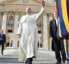 Francisco culmina la reforma de la Curia