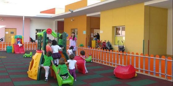 Educaci n abonar a las escuelas infantiles la mensualidad for Escuela de decoracion de interiores