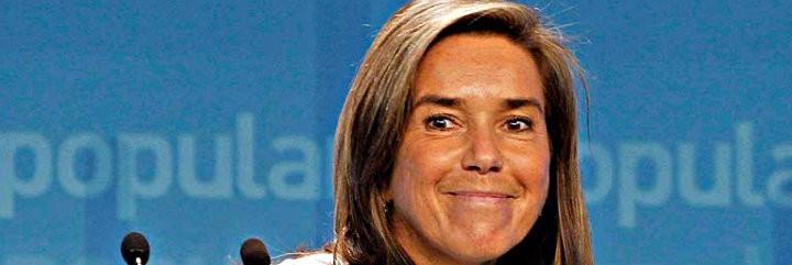 Ana Mato se lo comunicó a Rajoy y a las 19.47 h. mandó el comunicado a la prensa.