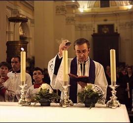 Misa del Novus Ordo en la parroquia de Épila