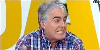 Siro López critica la retransmisión de Manolo Lama al narrar la parada de Iker en el penalti.