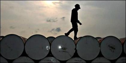 Barril de petróleo y precio del crudo.