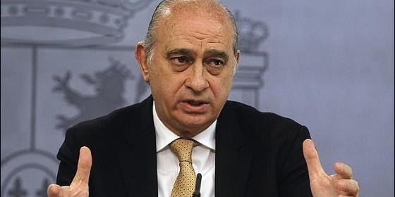El ministro del interior pone fino a guardiola jug con for Ministro del interior espana 2016