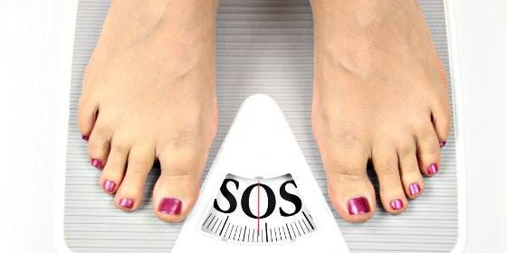 Báscula, peso, kilos y dieta.
