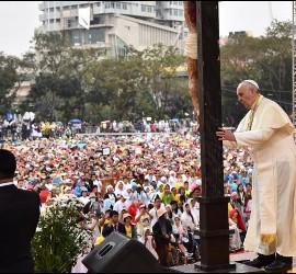 Papa, en Universidad Santo Tomás Manila