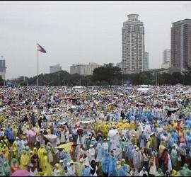 Seis millones de fieles con el Papa en Manila