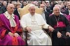 El Papa, con los jueces de la Rota