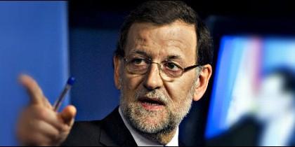 Cargó ante los suyos contra los 'caraduras' de Podemos.