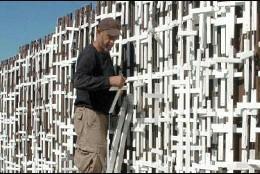 El muro de Arizona, lleno de cruces