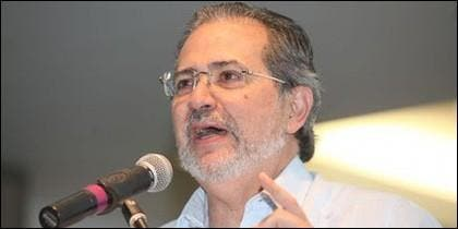 Miguel Henrique Otero.