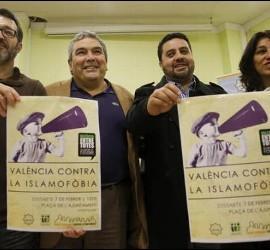 Musulmanes españoles pidiendo medidas al gobierno