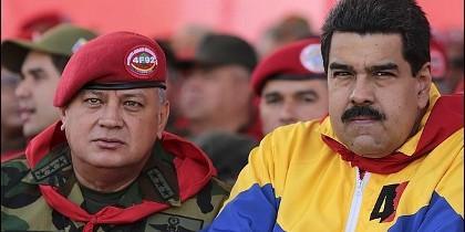 Diosdado Cabello con Nicolás Maduro.