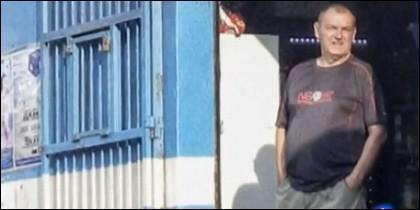 El asesino en su licorera venezolana.