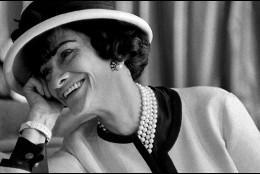 Coco Chanel conocía a la mujer y sus intrincados pasadizos de cuerpo y mente.