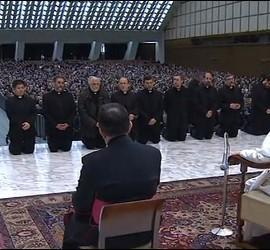 Sacerdotes Kikos y el Papa
