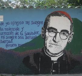 Romero en un mural