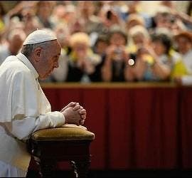 Francisco, rezando