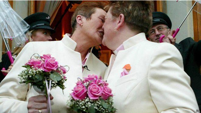 Matrimonio Catolico Con Un Ateo : El matrimonio católico se desploma en españa apenas un